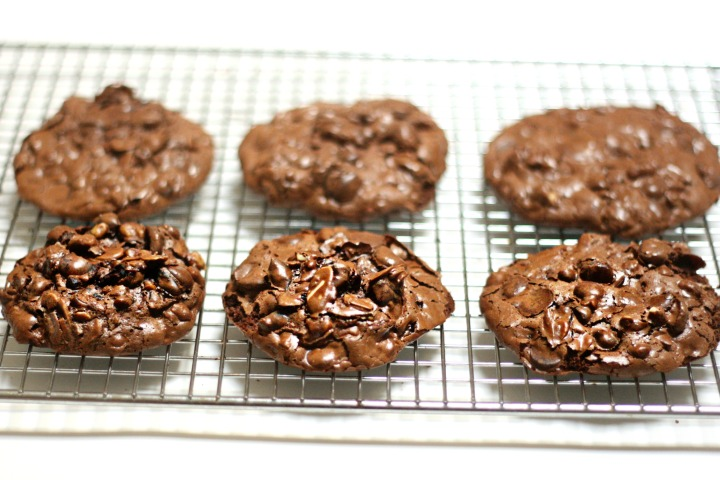 flourless choco cookies six
