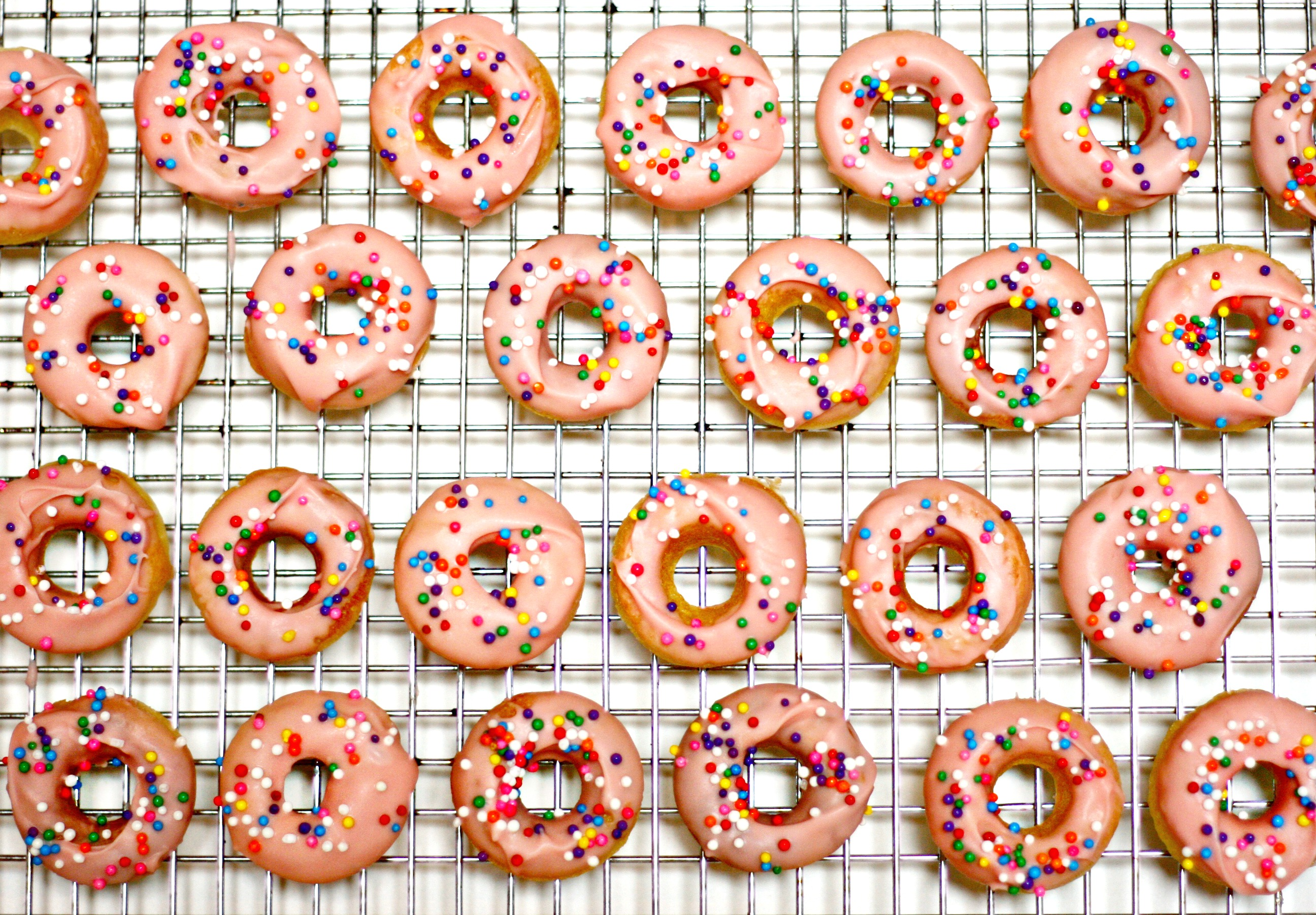 how to make round doughnuts