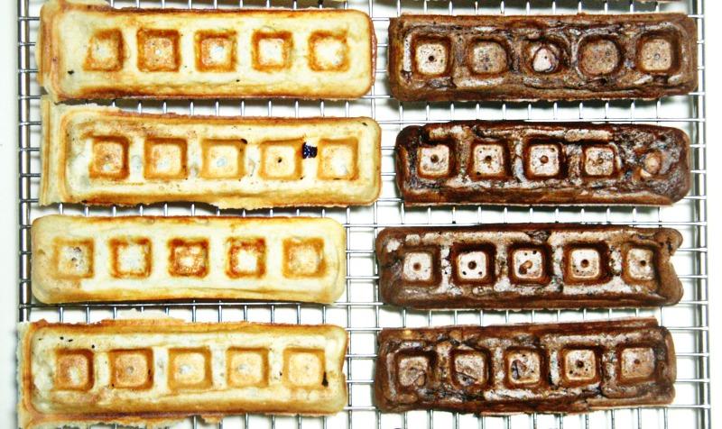 regular-and-chocolate-waffles-2