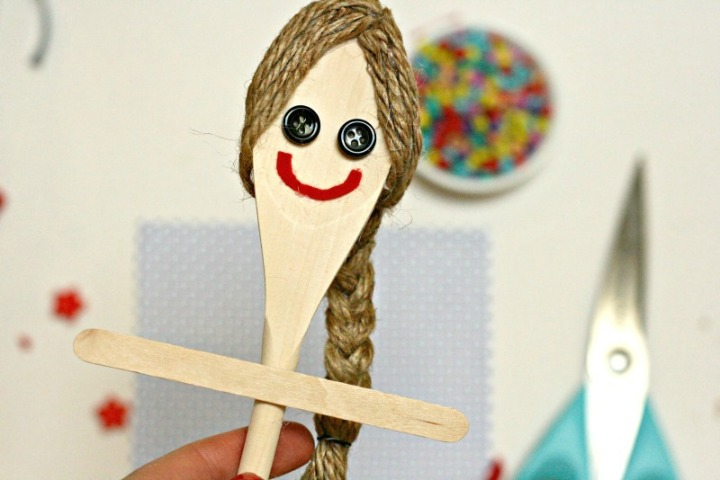 wooden-spoon-doll-sofawned