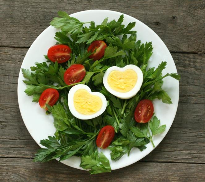 Eggspress-heart-shaped-egg