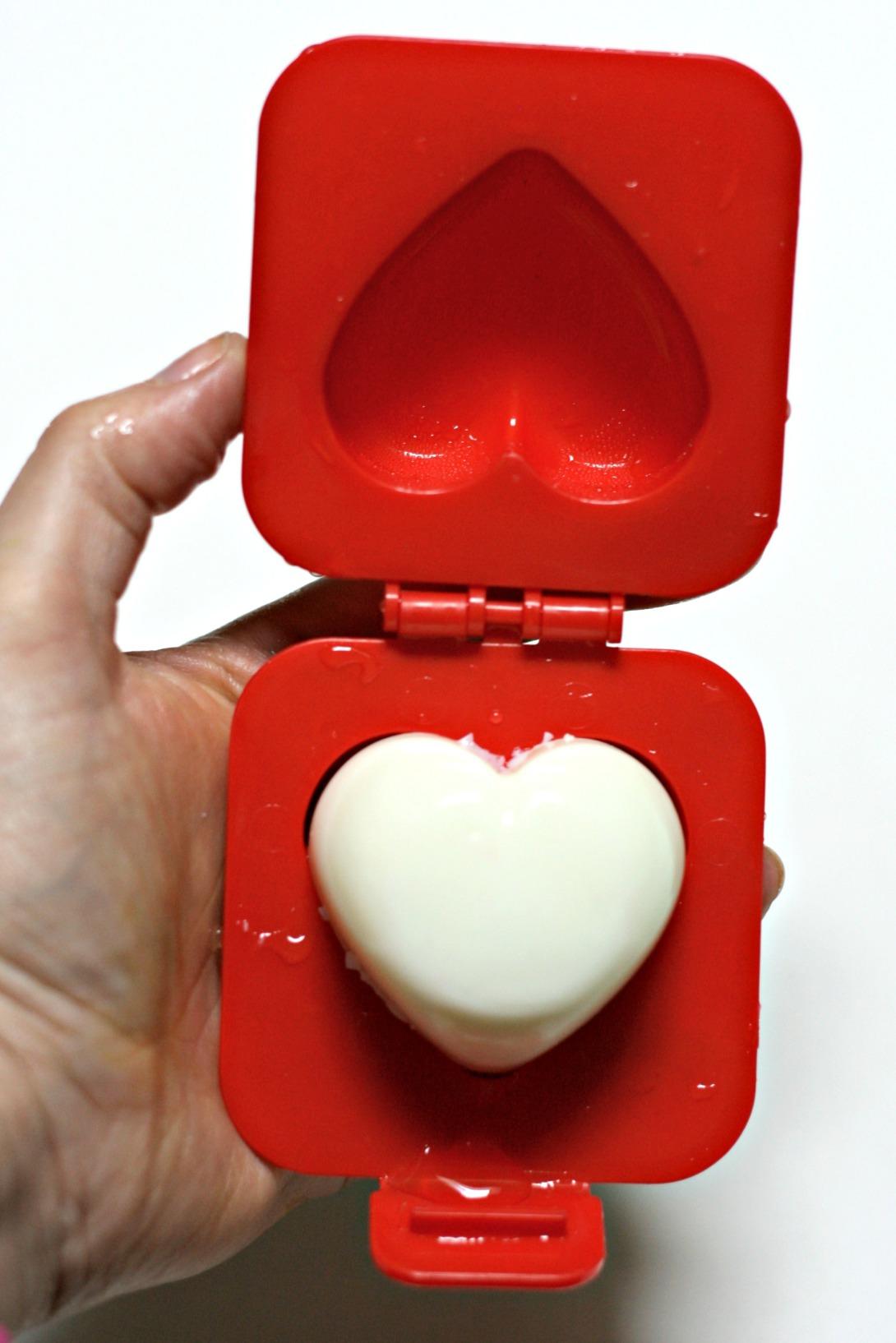 heart-shaped-egg