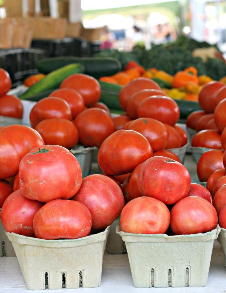 tomatoes-farmers-market