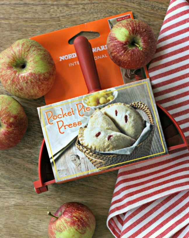 Nordicware-pocket-pie-press