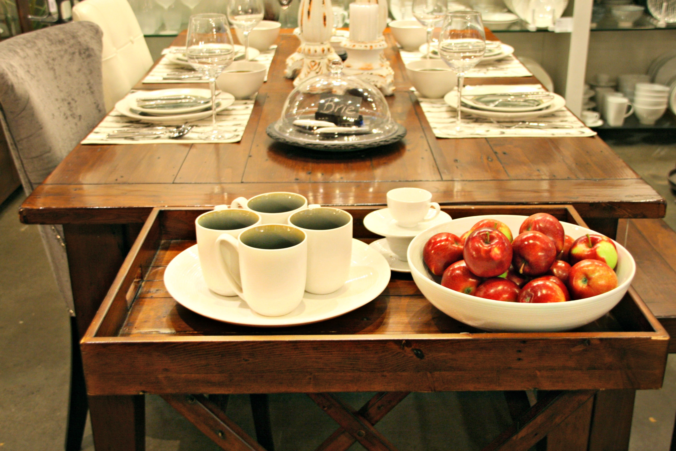 how to dress a delectable dining table – try small things