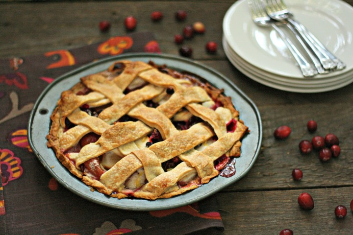 Apple cranberry raisin pie