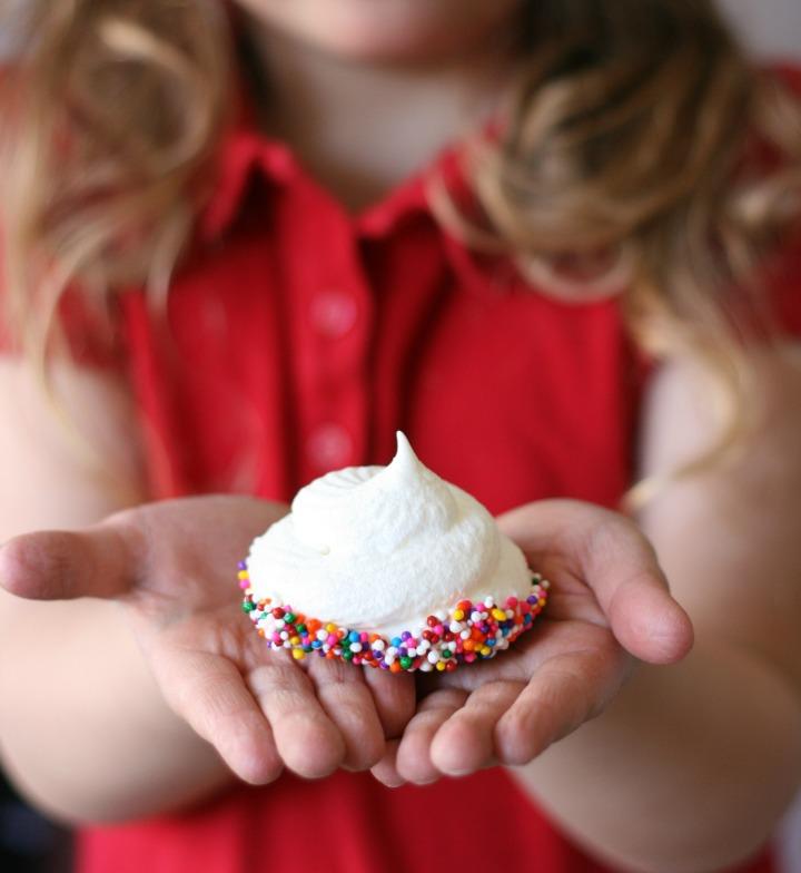sprinkle dipped meringues 2 cropped