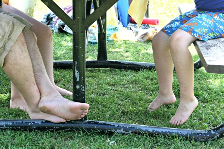 letsdopicnic feet underneath table