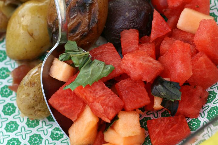letsdopicnic fruit salad close up
