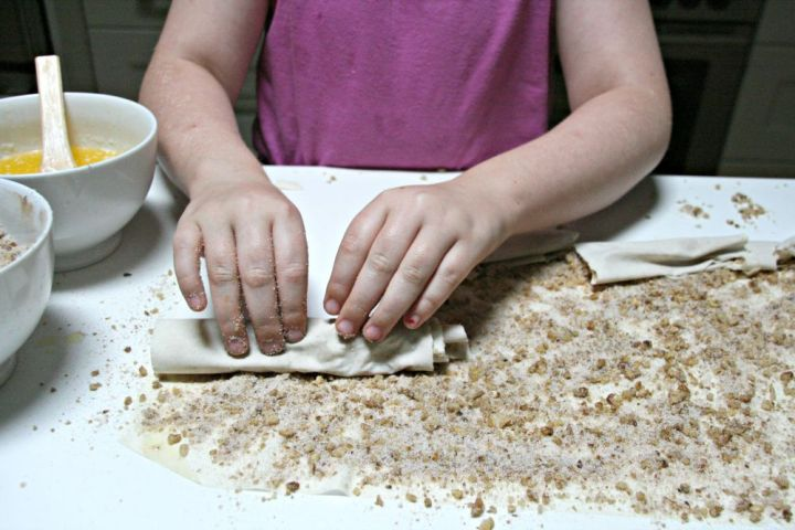 baklava rolling dough