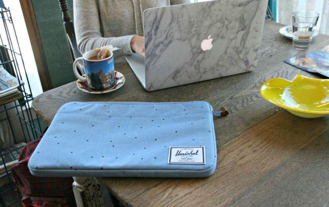 herschel laptop case