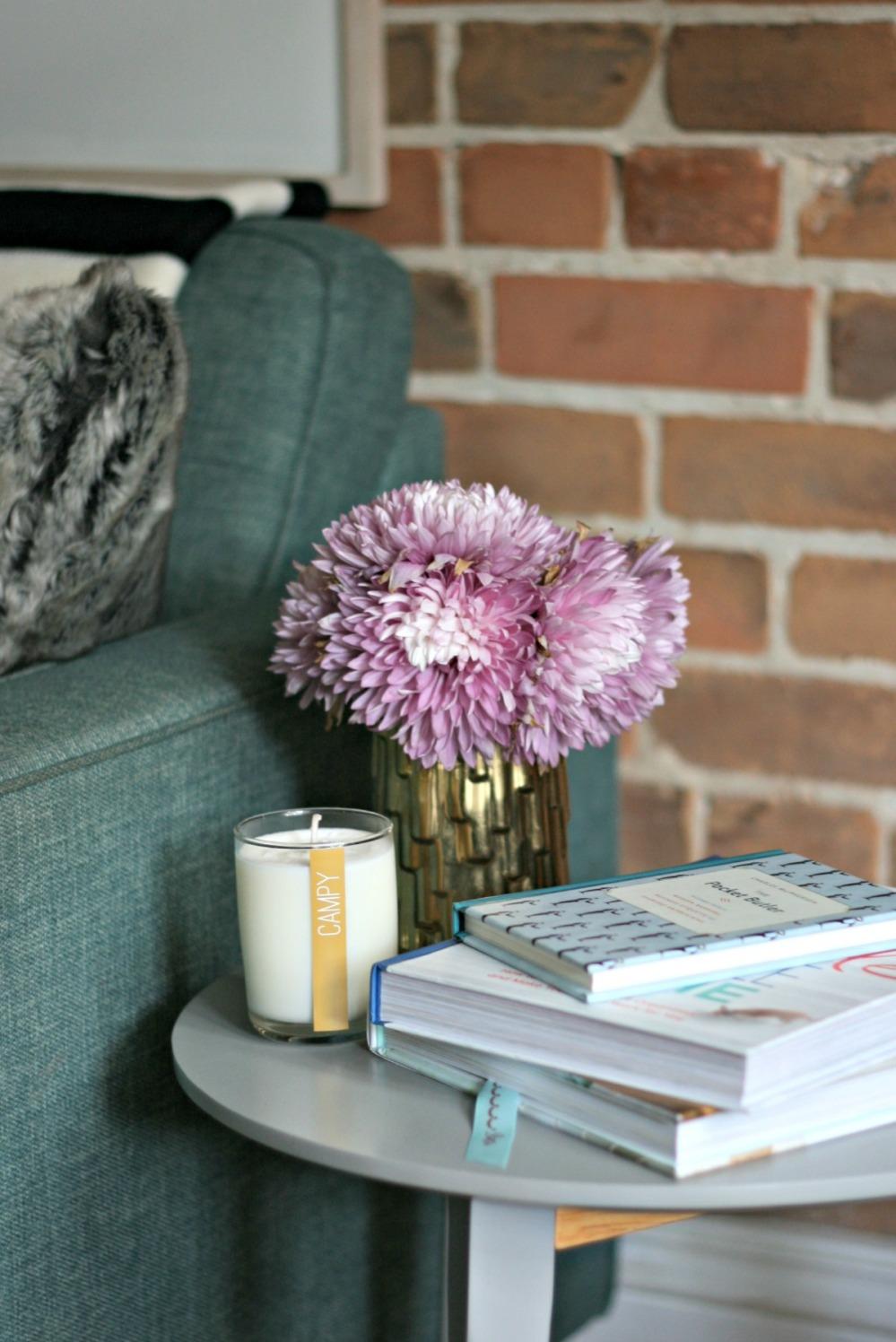 gw flowers side table