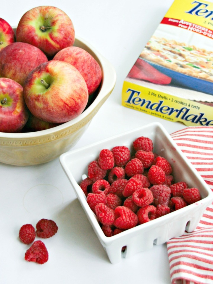 tender flake apple raspberry pie