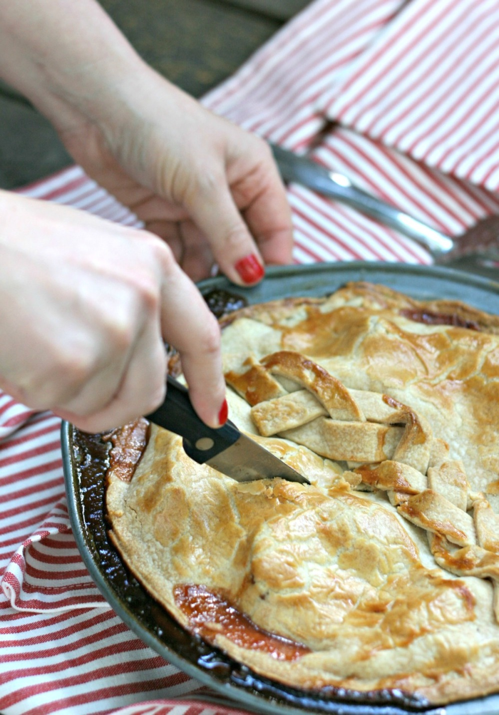 tender flake cutting pie 3