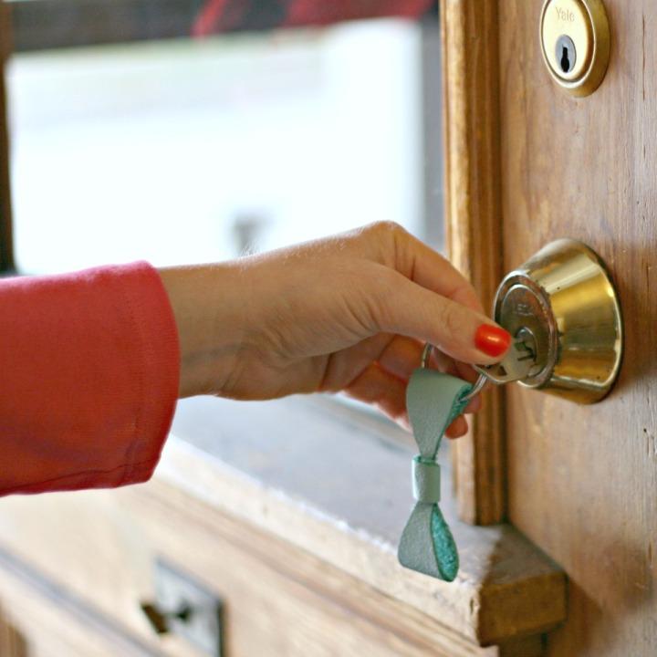 DIY DAMMIT Bow Tie Key Chain