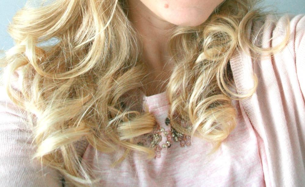 KISS InstaWave curls