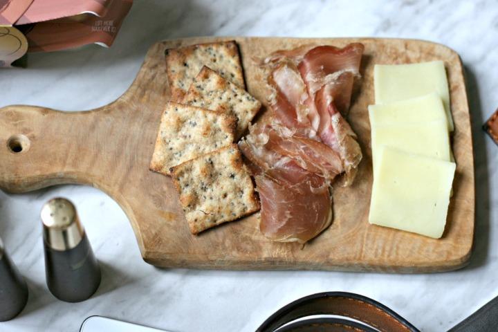 PROTINIS Prosciutto and Provolone Snack cheeseboard