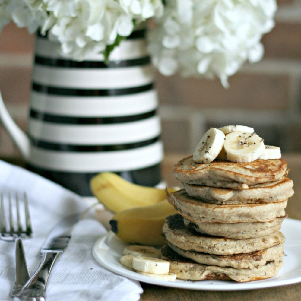 Superfoods 247 fluffy banana chia pancakes