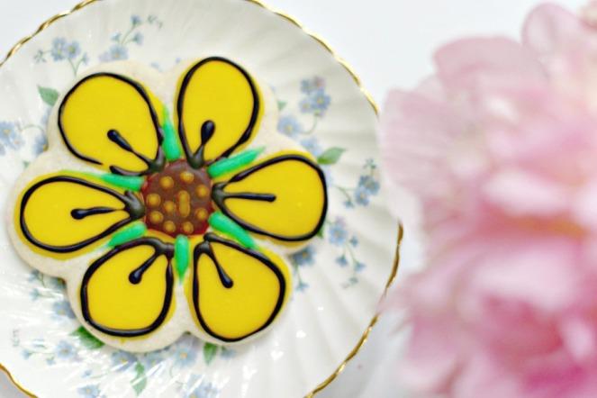 Pipsticks flower cookie