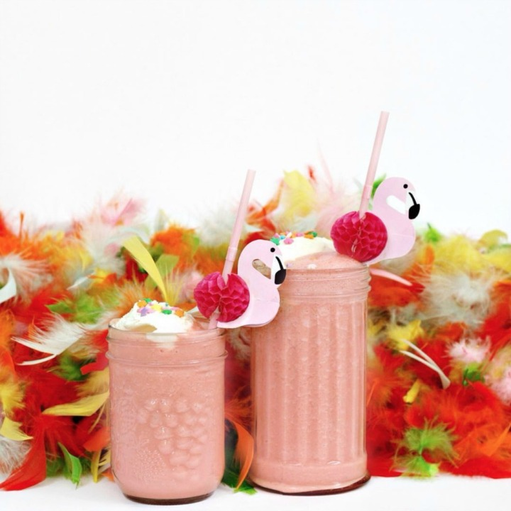 Be a flock star with this watermelon cotton candy slushy float