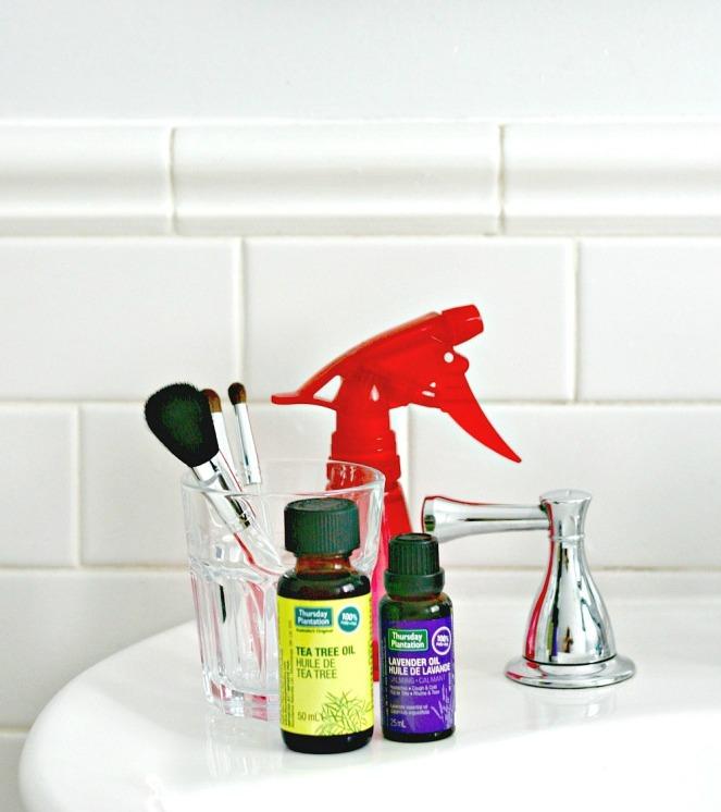 Thursday Plantation DIY natural makeup brush cleaner 2