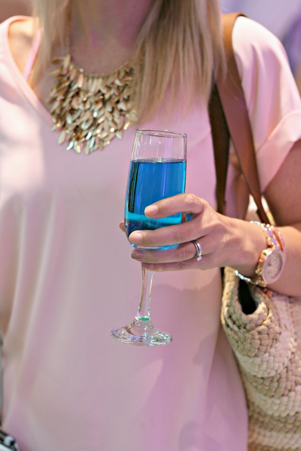 cf rideau carolyn champagne close up