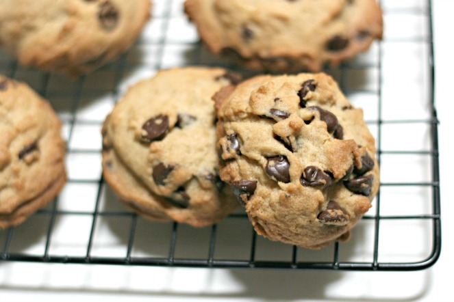the-seasoned-life-by-ayesha-curry-soft-and-chewy-chocolate-chip-cookies