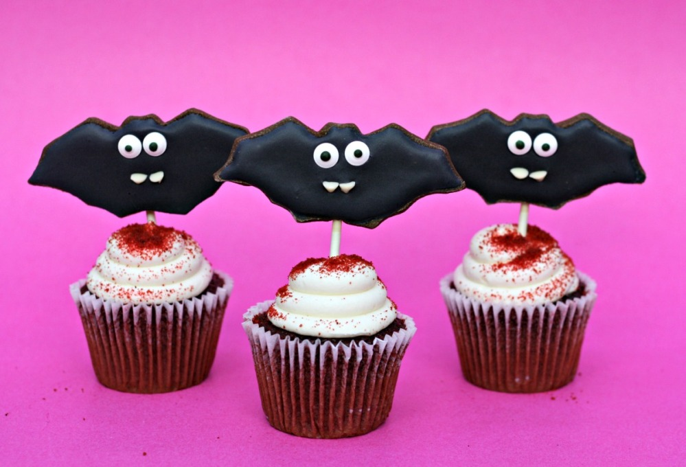 davidstea-halloween-bat-sugar-cookie-cupcakes