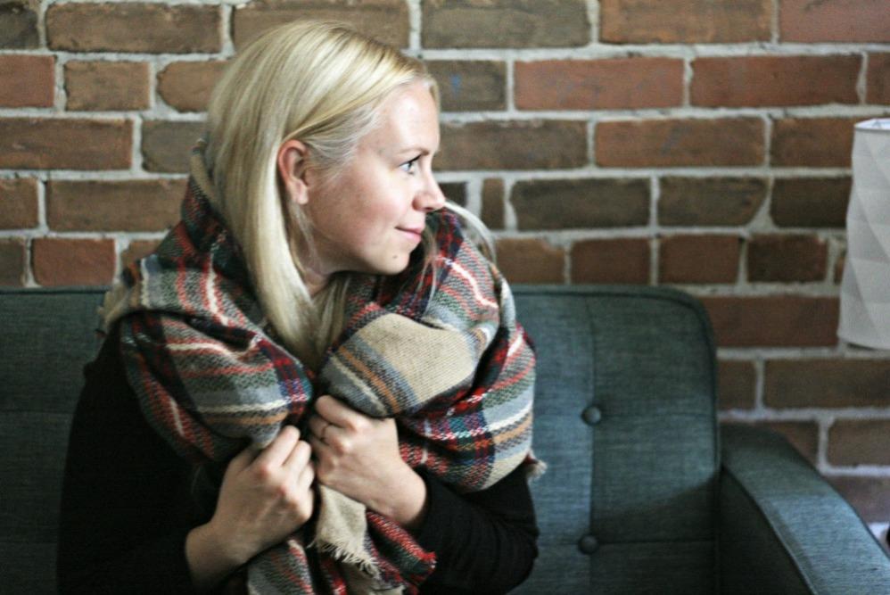 fabfitfun-modcloth-loch-and-key-scarf