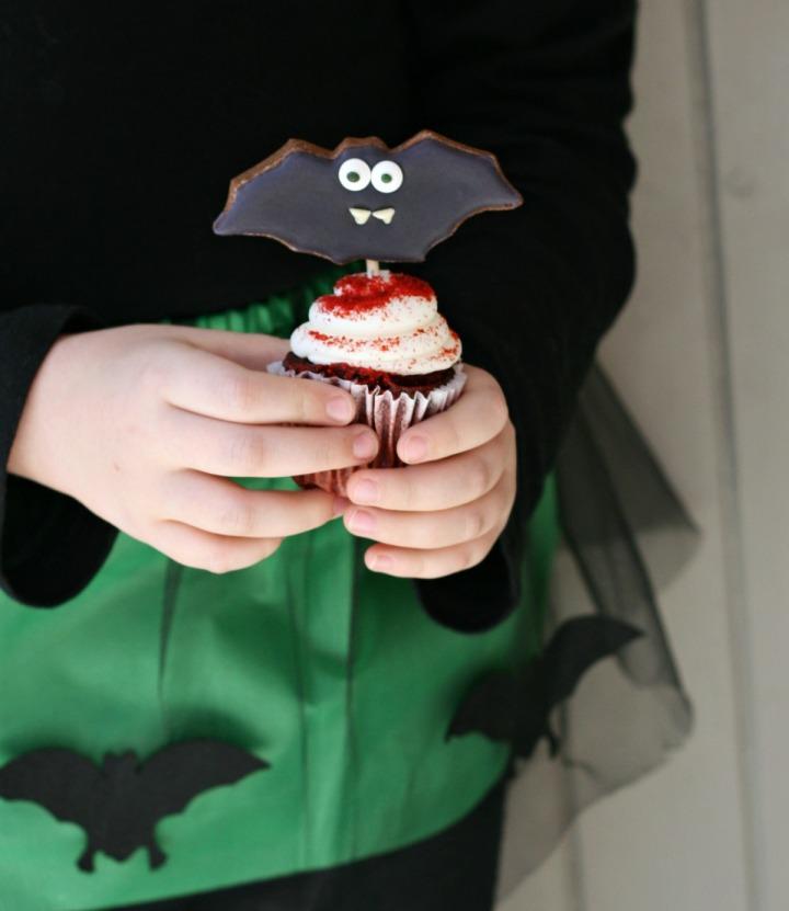lily-bat-cupcakes-final-2