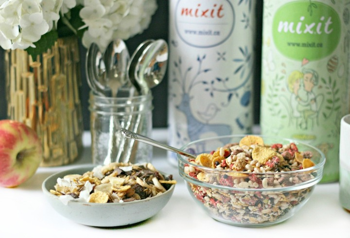 MIXIT yourself! Custom-made cereal we're loving