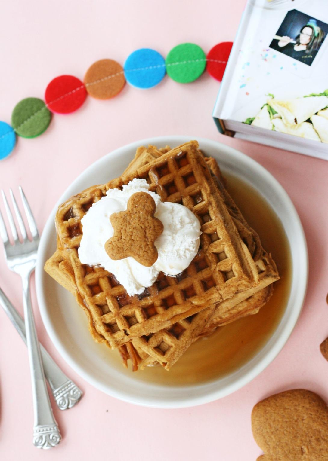 the-superfun-times-vegan-holiday-cookbook-gingerbread-waffles-5