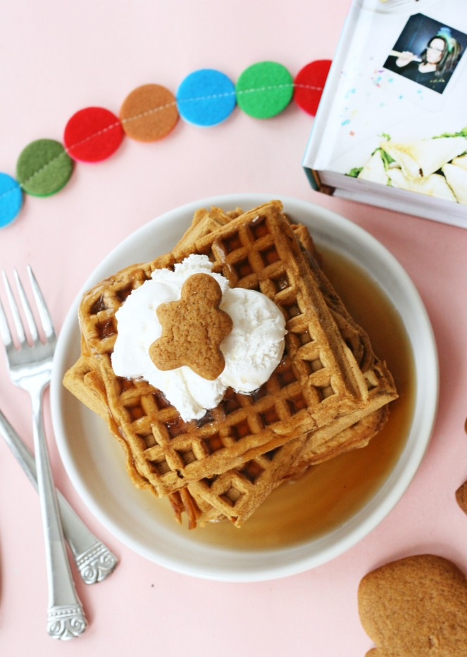 the-superfun-times-vegan-holiday-cookbook-gingerbread-waffles-5