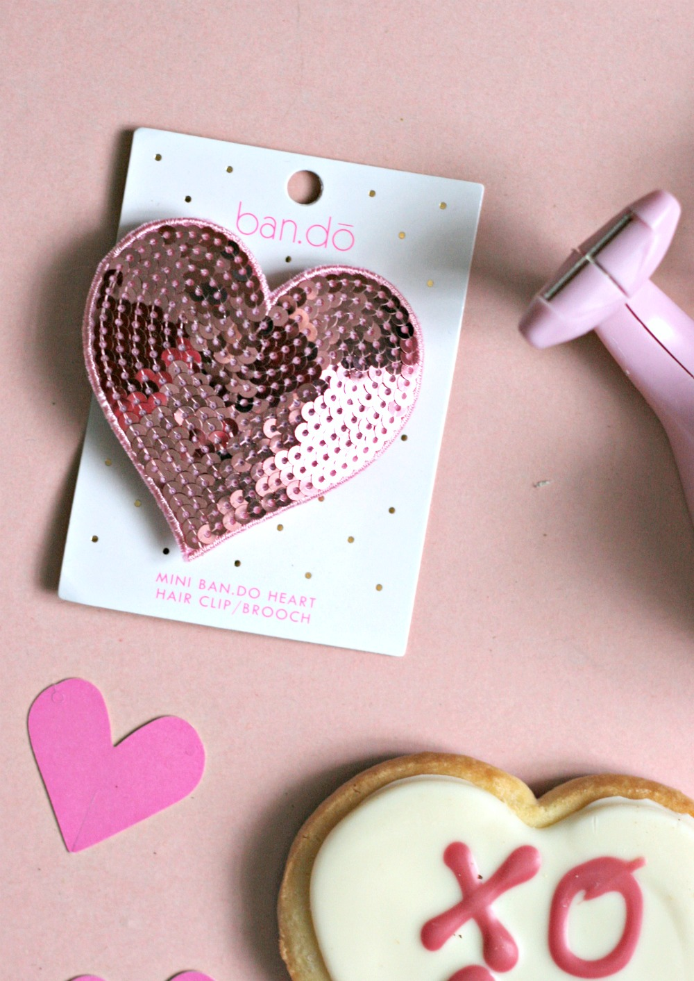 valentines-day-gift-ideas-ban-do-heart-hair-clip-and-brooch
