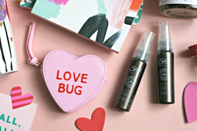 valentines-day-gift-ideas-love-bug-coin-purse