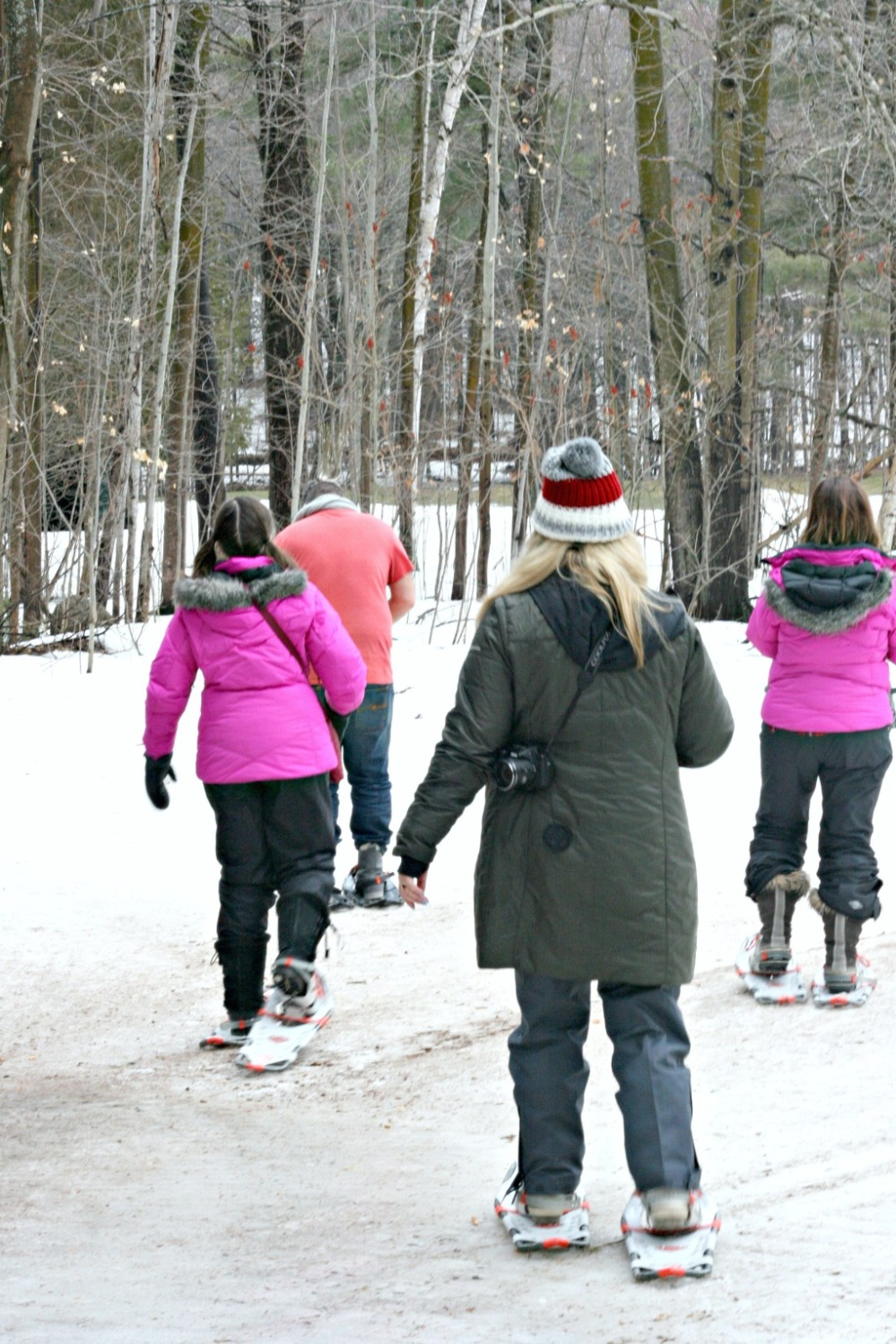 lgm snowshoeing setting off