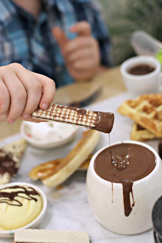 Cocao 70 Gatineau chocolate wafer cookie dunked