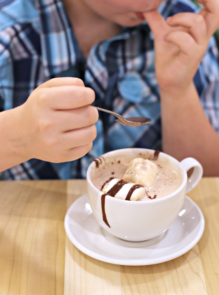 Cocao 70 Gatineau hot chocolate licking fingers
