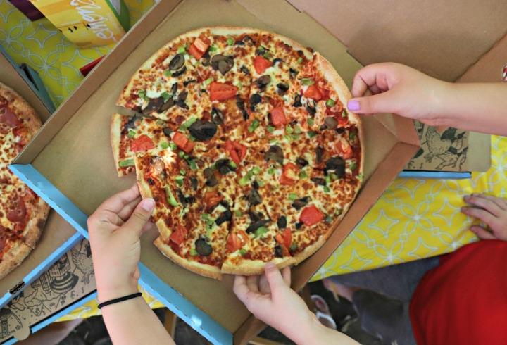 Panago Pizza all hands on veggie light