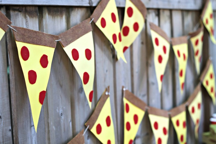 Panago Pizza pizza bunting