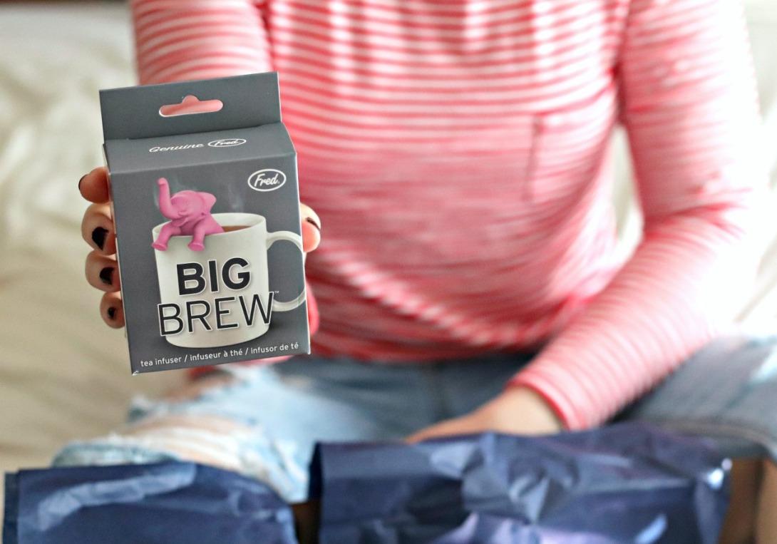 Sweet Reads Box September 2017 Big Brew tea infuser pink elephant