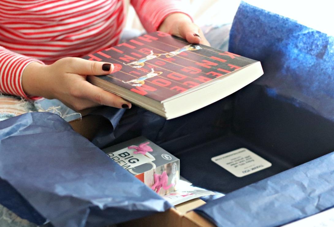 Sweet Reads Box September 2017 Fierce Kingdom 1