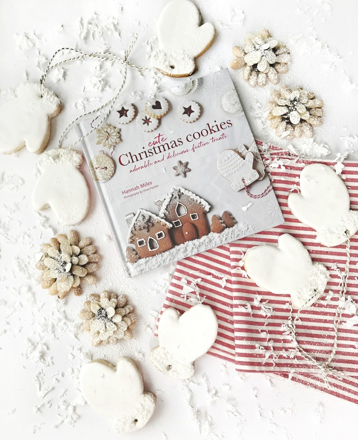Cute Christmas Cookies: Adorable and Delicious Festive Treats + Win a copy!