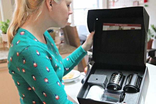 KitchenAid Fresh Prep Shredder:Slicer all attachments in box