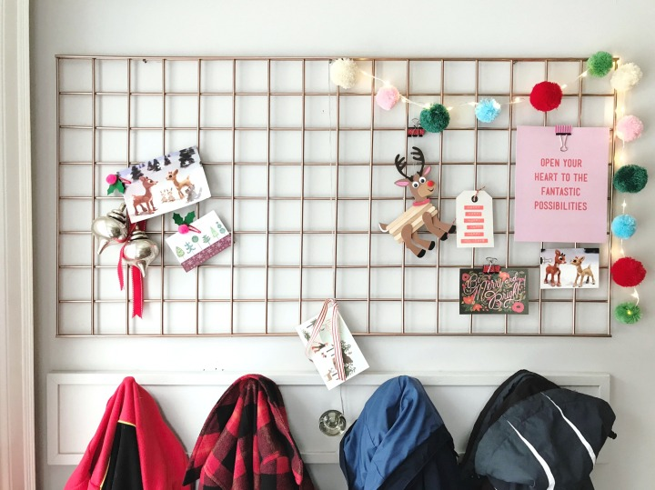 Staples Canada DIY Christmas Card Organizer Display Grill finished product