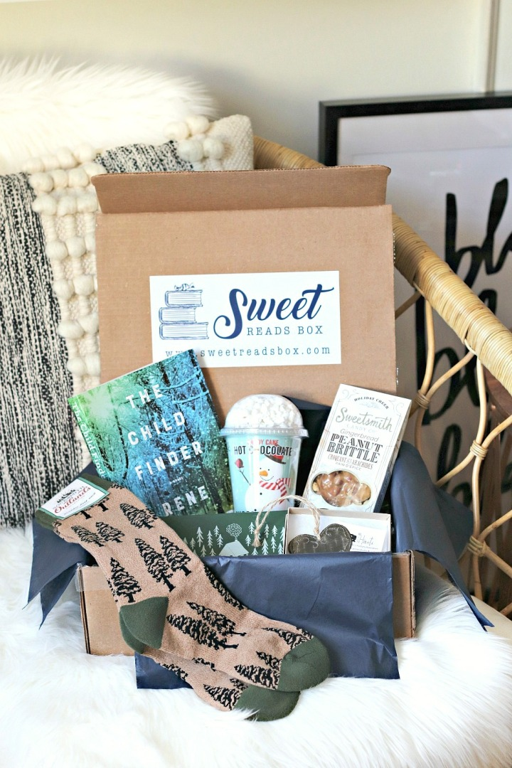 What's inside December's Sweet Reads Box