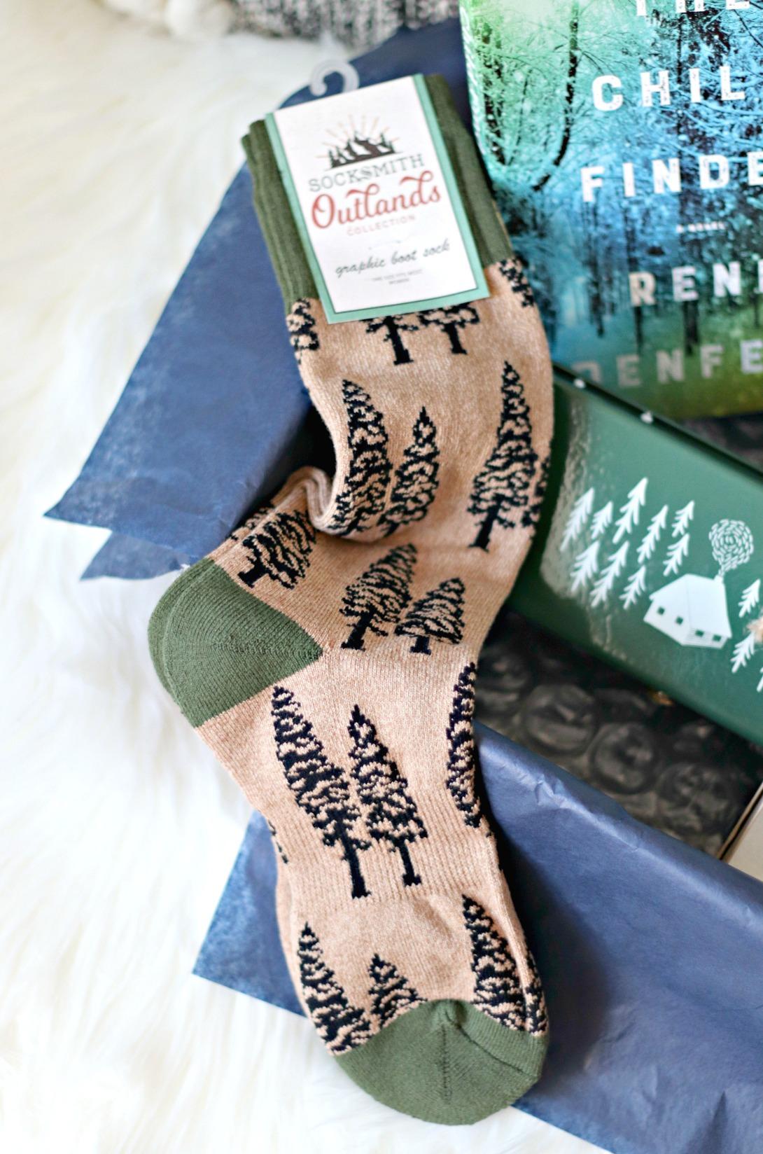 Sweet Reads Box Outlands Tree Socks