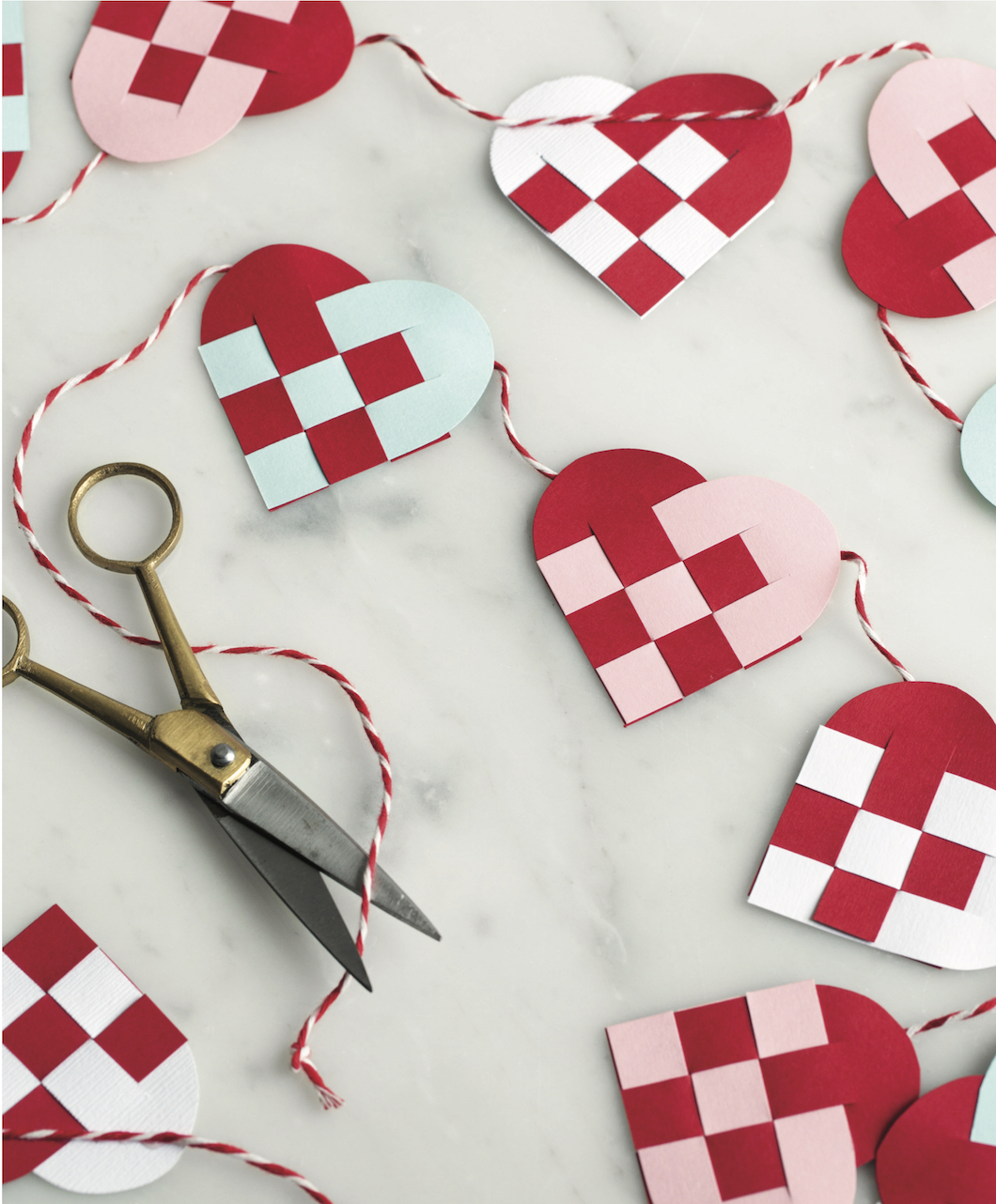 Scandinavian Gatherings_Mini Danish Heart Garland_Photography by Charity Burggraaf