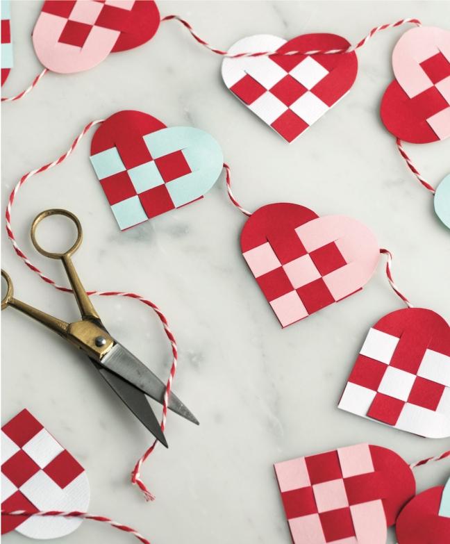 Scandinavian Gatherings_Mini Danish Heart Garland_Photography by Charity Burggraaf