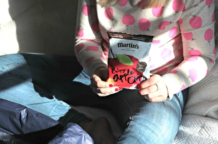 Sweet Reads Box January 2018 Martin's apple chips